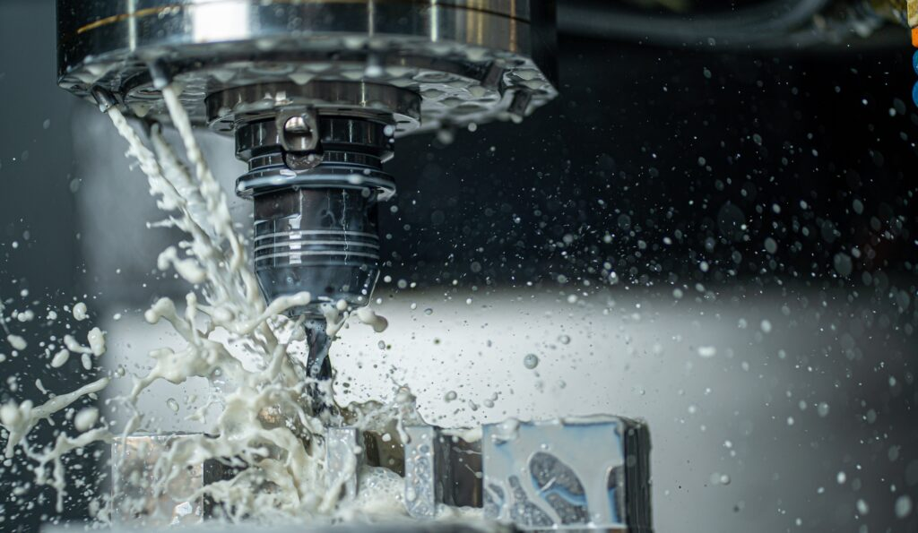 fresadoras mecánicas trabajando